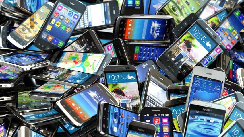 Photo of W 2023 roku producenci będą sprzedawać 5 milionów smartfonów dziennie
