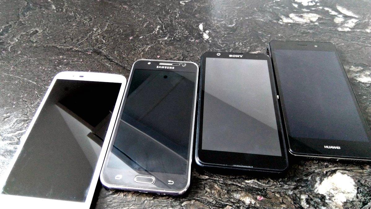 Fototest selfie: Azjatycka średnia półka (P8 Lite, K10 LTE, Galaxy J5, Xperia E4)