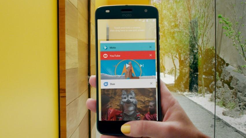 Photo of Motorola ujawnia, które smartfony otrzymają Androida 8.0 Oreo