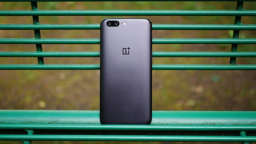 Photo of OnePlus 6 z bezramkowym ekranem 18:9 ma zostać przedstawiony na początku 2018