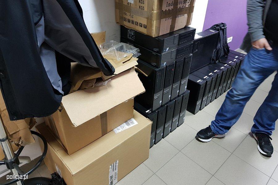 t-mobile-przestępstwo-1 Policja we współpracy z T-Mobile doprowadziła do aresztowania czterech cyberprzestępców handlujących danymi osobowymi
