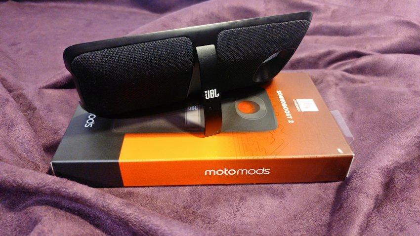 test-motorola-moto-mods-jbl-soundbool-2-10 Test Moto Mods: JBL SoundBoost 2 - Uwolnij moc dźwięku