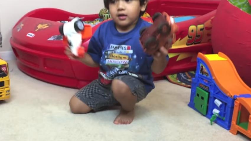 Photo of Sześciolatek zarobił 11 mln dolarów w ciągu roku na recenzowaniu zabawek